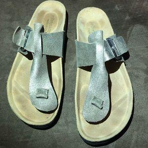 Jeffrey Campbell thong sandals size 37 gold